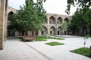 Medrassa bazaar